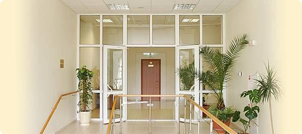 входные двери учреждений