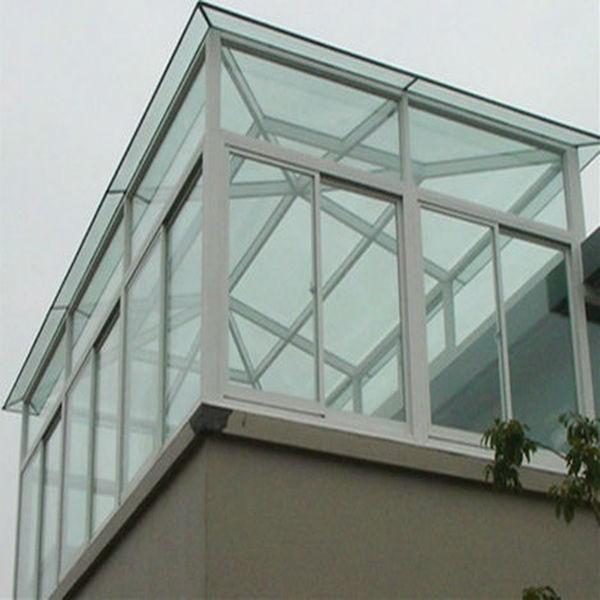 Балкон со стеклянной крышей