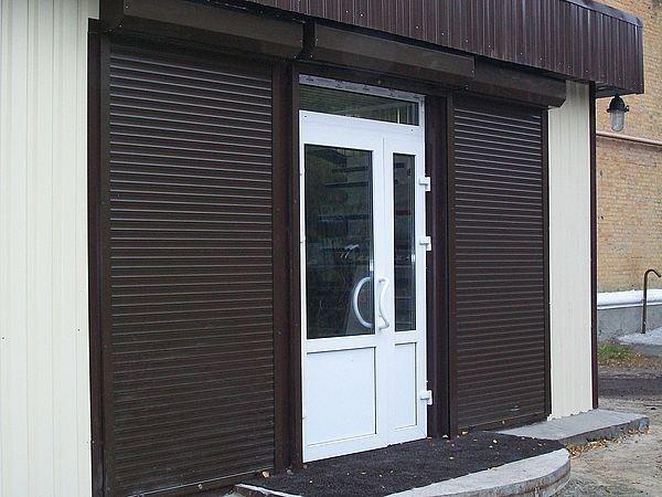 Защитные роллеты на двери