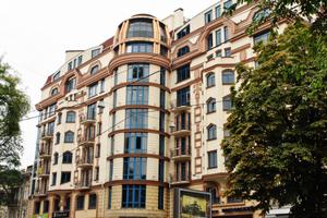 Остекление бизнес-центра Покровский