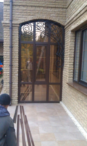 Арочное металлопластиковое окно крупногабаритнеое