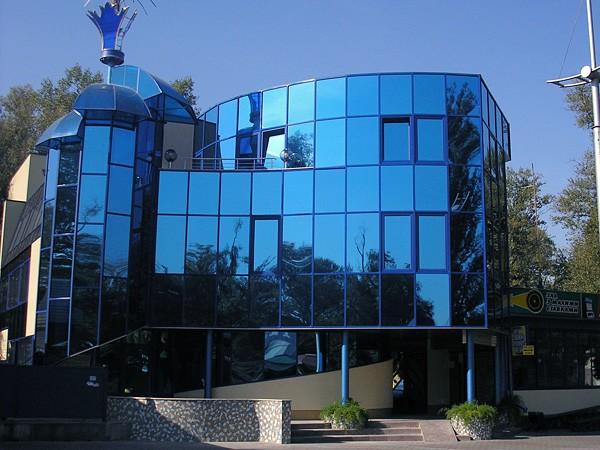 Цветной алюминиевый фасад