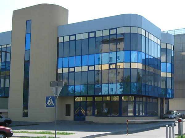 Светопрозрачный фасад, тонированный пленками