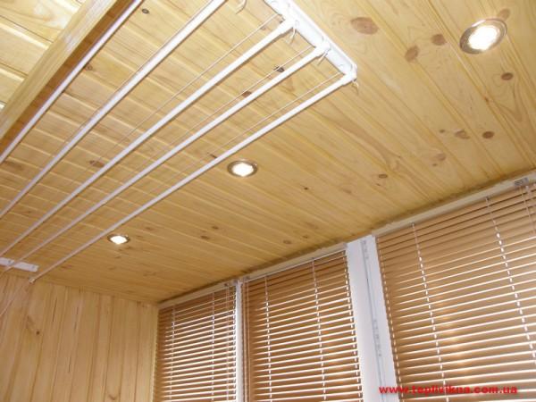 Обшивка балконой деревянной вагонкой