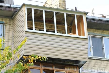 Наружная обшивка балкона сайдингом. киев, цена. купить.