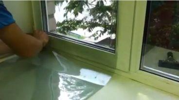 Установка энергосберегающей пленки на пластиковые окна